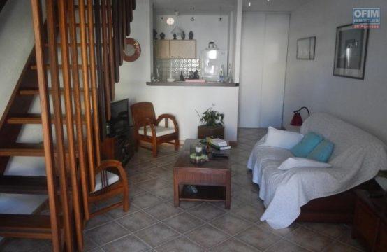 Vente-Appartement-SAINT-GILLES-LES-BAINS-A-Vendre-Appartement-F2-Proche-Plage-a-St-Gilles-Les-Bains