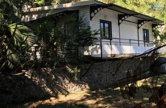Vente-Maison-Villa-SAINT-PAUL-a-vendre-villa-f3-sur-terrain-env-800m2-creve-coeur-st-paul-2