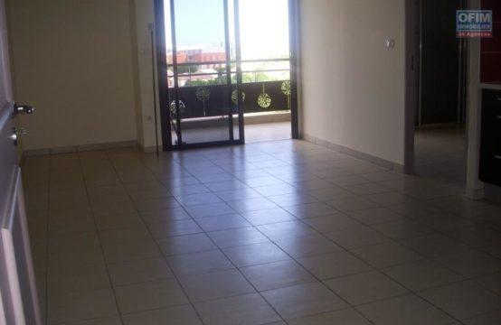 Location-Appartement-POSSESSION-A-louer-appartement-T3-dans-le-centre-de-la-Possession