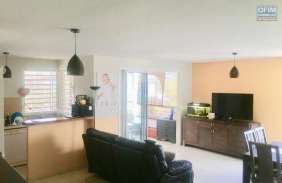Vente-Appartement-SAINT-GILLES-LES-BAINS-Appartement-F4-avec-Terrasse-dans-residence-securisee-Saint-Gilles-Les-Bains