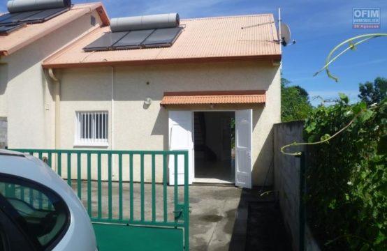 Location-Maison-Villa-SAINT-GILLES-LES-HAUTS-a-louer-villa-F3-au-bernica-ligne-bertaud
