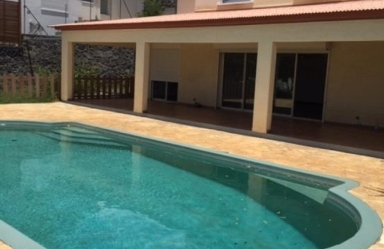 Location-OFIM-immobilier-villa-avec-piscine-Boucan-Canot-réunion