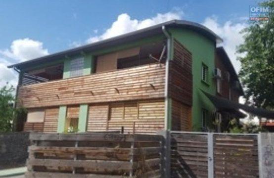 Location-Appartement-SALINE-LES-BAINS-A-louer-tres-bel-appartement-F3-a-La-Saline-les-Bains-plage-de-trou-d-eau-3-bassins-1