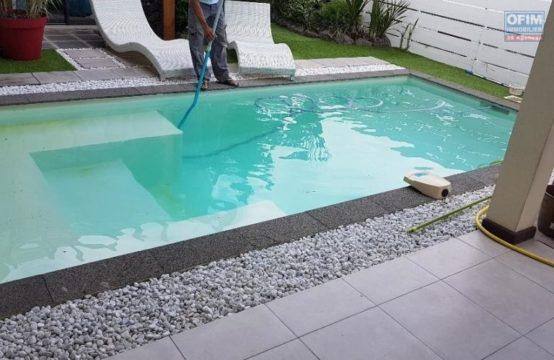 Location-meuble-Maison-Villa-SAINT-LEU-A-louer-villa-F4-meublee-avec-piscine-entre-Piton-St-Leu-et-les-Avirons
