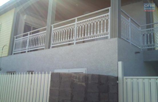 En location un récent appartement de type F3 à Saint Gilles les Hauts, île de la Réunion par OFIM
