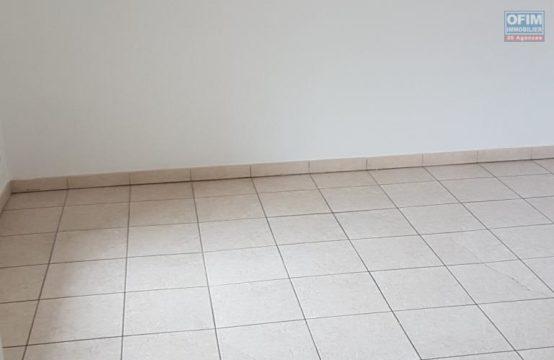 En location un joli appartement de type F2 à Saint Leu, île de la Réunion par OFIM