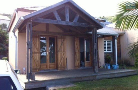 En location une charmante villa de type F3 à Saint Leu, île de la Réunion par OFIM