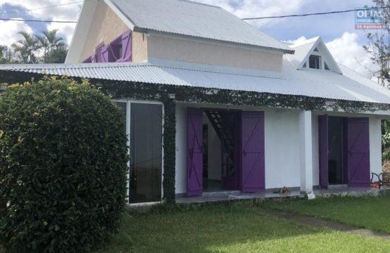 Vente-Maison-Villa-TROIS-BASSINS-A-vendre-maison-de-type-4-5-a-trois-bassins-centre-avec-belle-vue-mer-ofim-trois-bassin-réunion