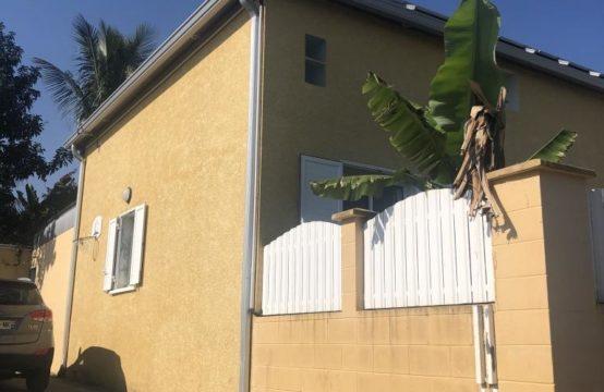 A-vendre-une-villa-mitoyenne-avec-vue-montagne-Bernica-Saint-Gilles-Les-Hauts-Réunion