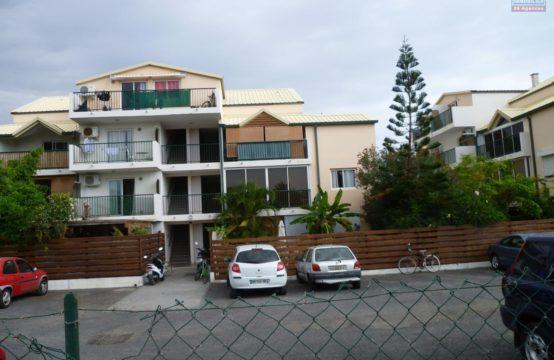 En-location-bel-appartement-studio-vue-mer-montagne-Saline-Les-Bains-Réunion-par-Ofim