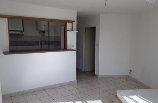 En-location-studio-F1-proche-plage-Saint-gilles-les-bains-Réunion-Par-Ofim