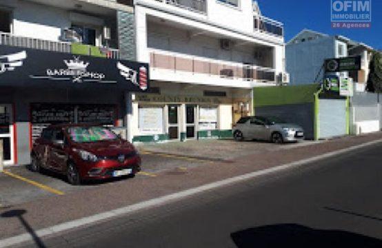Local-commercial-en-location-parking-centre-Saint-Paul-Réunion-Ofim