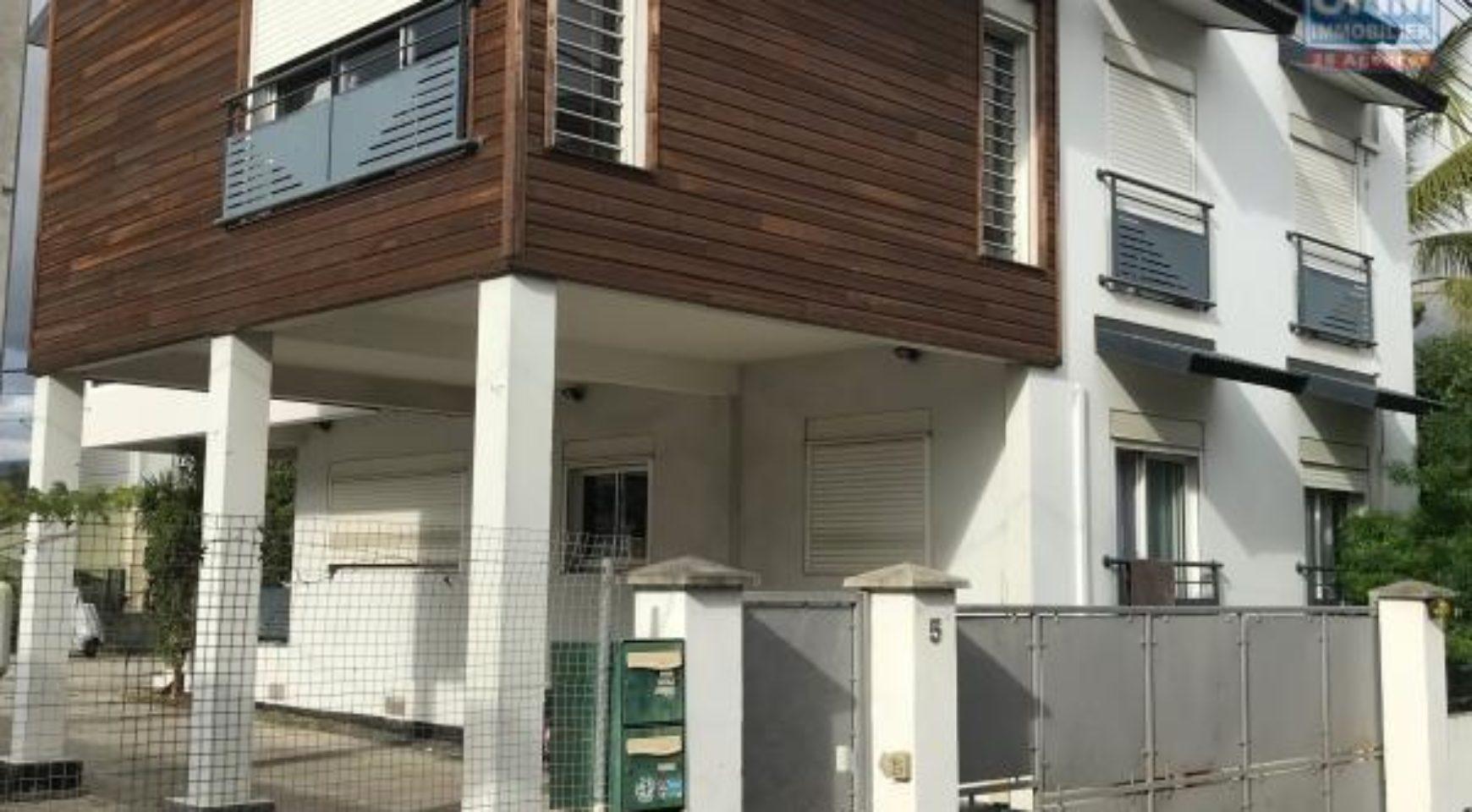 En vente deux villas t3 et t4 sur un terrain de 540 m2 - Deux maisons sur un seul terrain ...