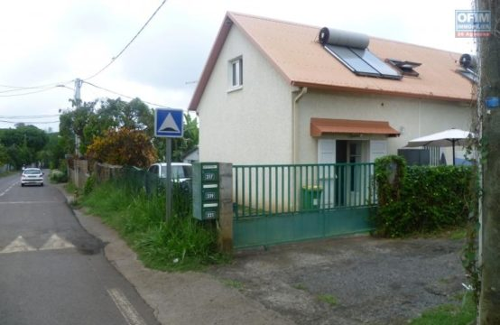 Location-Maison-Villa-SAINT-GILLES-LES-HAUTS-a-louer-villa-mitoyenne-F3-au-bernica-ofim