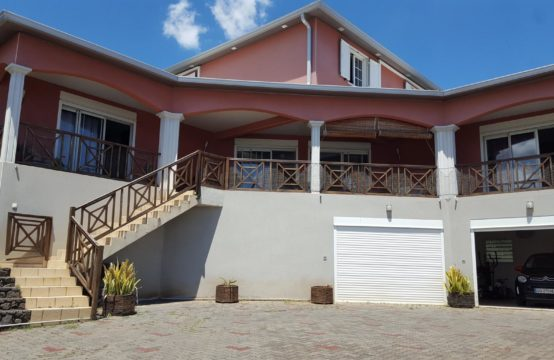 Vente-maison-villa-confort-vue-mer-montagne-ofim-Saint-paul-Réunion-T7-spacieux