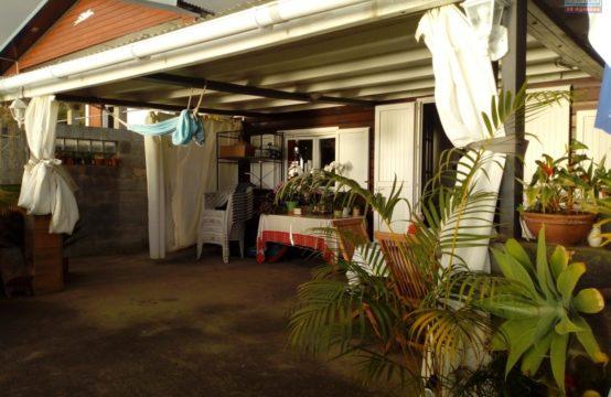 Vente-L'étang-Saint-Leu-proche-commerces-vue-mer-Ofim-Réunion
