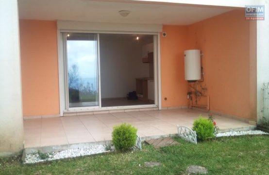 Location-Appartement-TROIS-BASSINS-a-louer-appartement-F2-en-rez-de-jardin-a-trois-bassins-aux-oceanes-Ofim