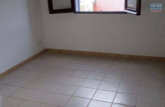 Location-Appartement-SAINT-GILLES-LES-BAINS-A-Louer-Appartement-F2-proche-plage-a-l-hermitage-Ofim