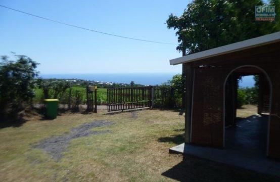 Location-Maison-Villa-SAINT-GILLES-LES-HAUTS-a-louer-villa-F5-6-a-villele-grand-jardin-secteur-calme-réunion-ofim-vue-mer-montagne