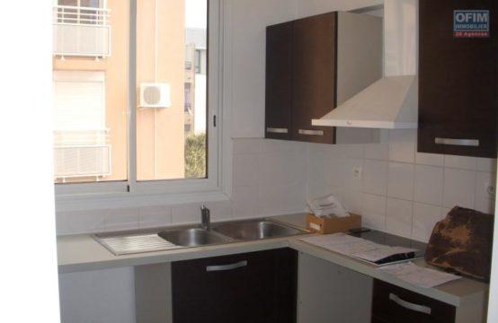 Location-Appartement-POSSESSION-A-louer-appartement-T3-au-centre-ville-de-la-Possession-ofim