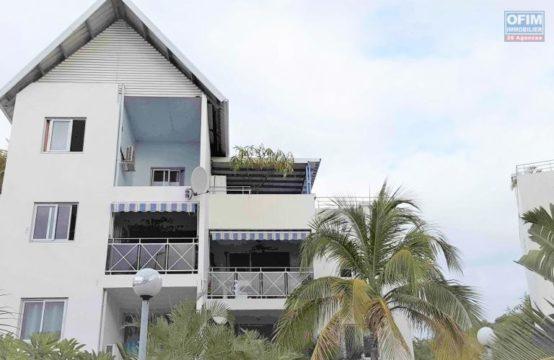 Location-Appartement-SAINT-GILLES-LES-BAINS-A-LOUER-spacieux-appartement-de-type-F3-de-63-84m2-terrasse-de-30-19m2-sur-Boucan-Canot-a-Saint-Gilles-Les-Bains-Ofim