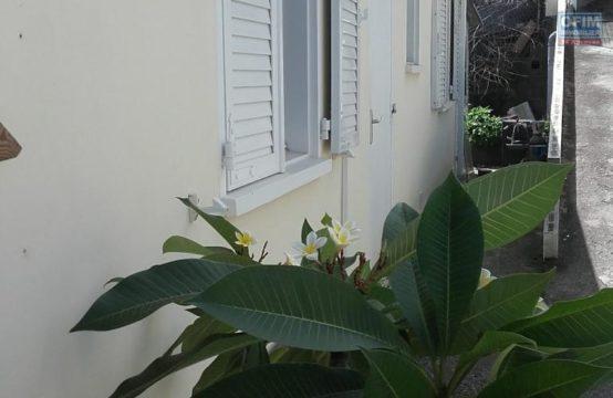 Location-Maison-Villa-SAINT-PAUL-A-Louer-villa-F4-a-Bellemene-Saint-Paul-ofim-vue-mer-Bellemène