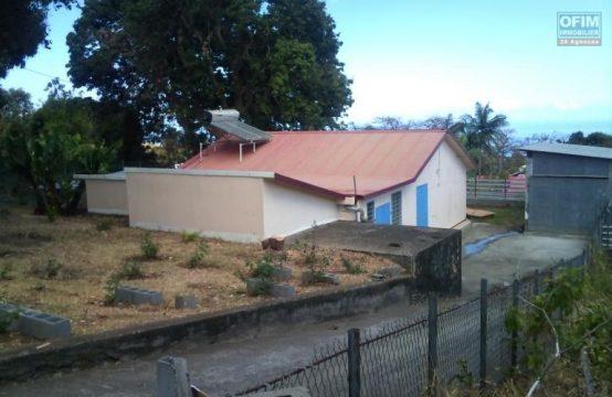 Location-Maison-Villa-SAINT-GILLES-LES-HAUTS-a-louer-villa-F5-6-au-bernica-sur-parcelle-de-950-m2-ofim