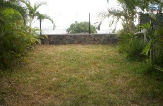 Ofim-Location-Maison-Villa-POSSESSION-A-louer-villa-F4-sur-les-hauteurs-de-la-Possession-avec-vue-mer-Pichette-1