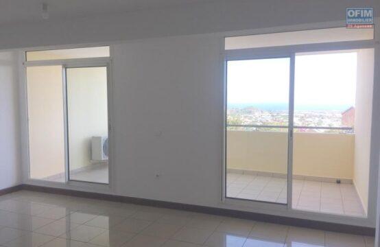 OFIM-immobilier-Vente-Appartement-POSSESSION-BEL-APPARTEMENT-LUMINEUX-VUE-MER-A-MOULIN-JOLI-LA-POSSESSION-1