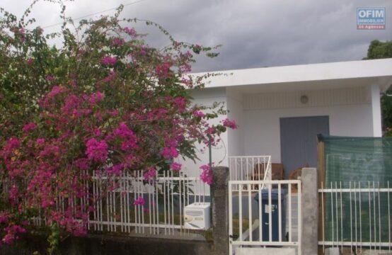 OFIM-immobilier-Location-Maison-Villa-SAINT-PAUL-A-louer-villa-F4-sur-la-Plaine-Saint-Paul-jardin-varangue-proche-commerces-écoles-ouest-Réunion