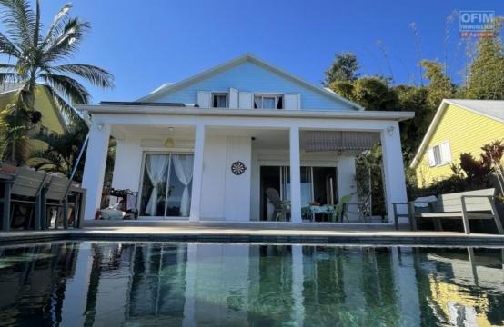 Superbe villa T4 avec piscine et vue mer, Bellemène