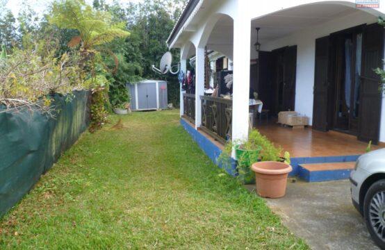 OFIM-immobilier-Réunion-Location-Maison-Villa-TROIS-BASSINS-a-louer-villa-F4-a-trois-bassins-situation-impasse-calme-jardin-arboré-ouest